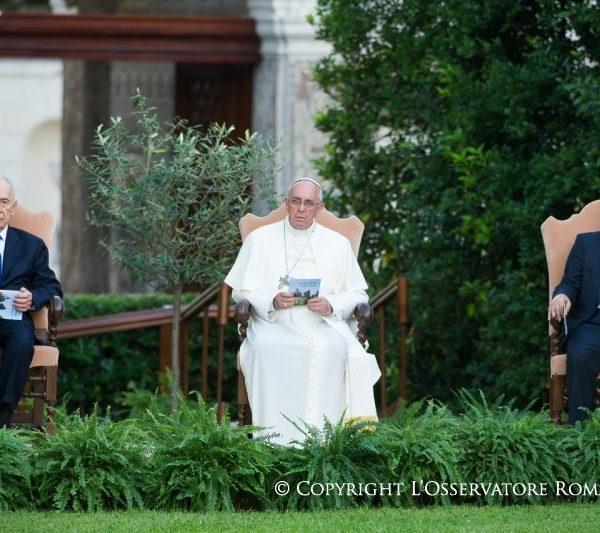 Pope Francis' Invocation to Peace – Ramón Luzárraga