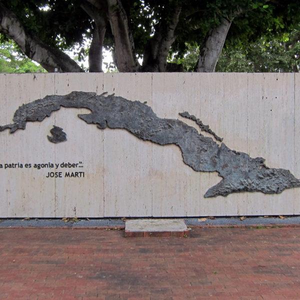 Cuba: Navigating Reconciliation in a Sea of Dangerous Memories – Ramón Luzárraga